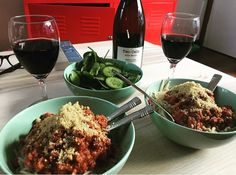 This has to be one of my fav go to meals. Our Bolognese, pasta & red wine 🍷 🍝 www.ssvb.com.au