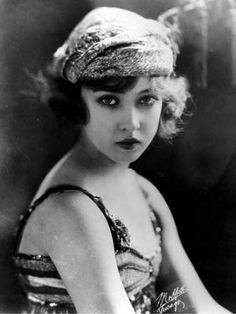 Dorise Eaton Travis. Ziegfeld girl. possibly only 14 years old at the time this photo was taken.