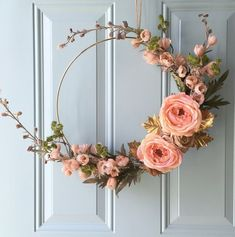 DIY gold hoop fall wreath. Gorgeous simple wreath for your front porch.
