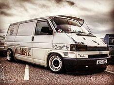 Volkswagen Transporter, Cars And Motorcycles, Cool Cars, Vehicles, Wheels, Ideas, Cars, Beard Styles, Van