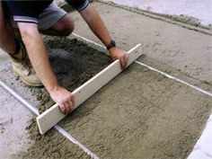 How to Screed your own Cement, Concrete or Base Sand and Gravel Glass Garden, Garden Planters, Concrete Garden, Sand And Gravel, Gravel Path, Recycled Windows, Barrel Table, Garden Party Decorations, Peace Lily