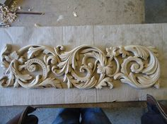 Wood Carving Designs, Wood Carving Art, Stone Carving, Wood Art, Middle Eastern Decor, Cnc Cutting Design, Stuck, Ceiling Medallions, Architectural Elements