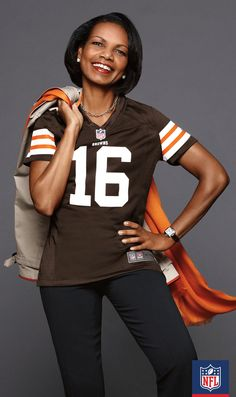 A Cleveland Browns jersey wouldn't be complete without a matching scarf and some team spirit. Condoleezza Rice knows what we're talking about! Go Browns!
