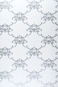 White and silver wallpaper (foyer)