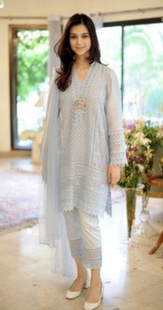 Dresses - Tis a season thats brimming with pretty outfits in festive colours! We almost feel greedy for a new wardrobe as our eyes devour Farida Hasan's new Eid collection! She is set to exhibit… Pakistani Fashion Casual, Pakistani Dresses Casual, Pakistani Dress Design, Casual Summer Dresses, Stylish Dresses, Indian Dresses, Indian Outfits, Indian Fashion, Nice Dresses