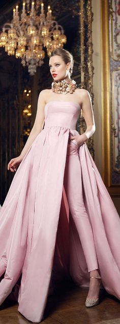 anbenna : Sweet Blush Gown with hidden pockets under..Great slit to reveal the ankle length pants..