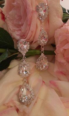 Σκουλαρίκια κρεμαστά σε διάφανη απόχρωση #κοσμήματα #σκουλαρίκια #greekfashion #greekjewelry #greek #bridaljewelry #greekwedding #νυφικακοσμηματα Bridal Earrings, Ring Necklace, Diamond Earrings, Queen, Princess, Accessories, Jewelry, Fashion, Bride Earrings