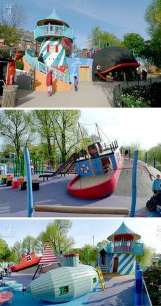 Kreativer Spielplatz für Kinder mit Schiffen, Leuchtturm und U-Boot