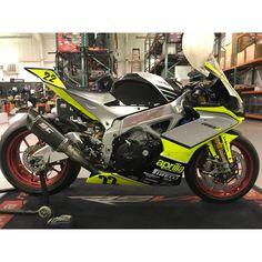 Road Bike Gear, Road Bikes, Cycling Bikes, Moto Ducati, Custom Sport Bikes, Speed Bike, Road Bike Women, Tank Design, Bike Seat