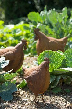 Cadix Standing Rusty Chicken Garden Ornament Unique New 27cm