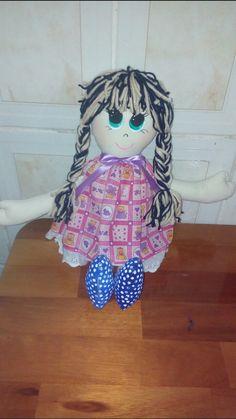 Quero um abraço.. Amo minhas bonecas..