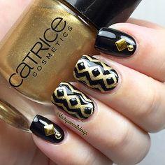I didn't know I had a nail polish! Black & Gold Happy New Year by IG @Blackqueennailsdesign