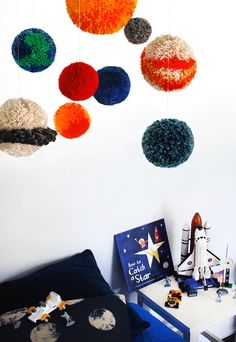 We-Are-Scout_Planet-pompom-mobile-600x871