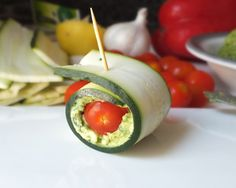Snack in style with these fresh Zucchini Pesto Roll-Ups [Raw, Vegan, Gluten-Free, Dairy-Free].