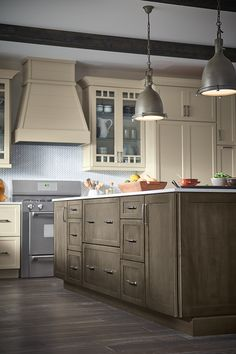Your kitchen should suit you – your lifestyle, your taste and your needs. Start creating your perfect kitchen with MasterBrand Cabinets. Farmhouse Bathroom Mirrors, Black Bathroom Decor, Modern Bathroom Mirrors, Luxury Master Bathrooms, Ideal Bathrooms, Modern Master Bathroom, Yellow Bathrooms, Bathroom Design Small, Modern Classic Bathrooms