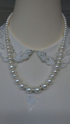"Classic graduated strand faux white pearls rhinestone beads 18"" long necklace"
