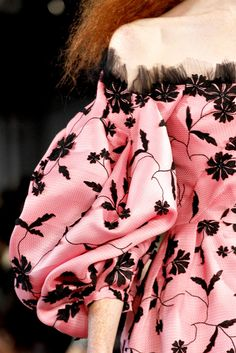 Oscar de la Renta Spring 2012 Ready-to-Wear Fashion Show Details