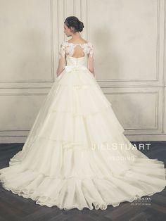 可愛いを生み出す神ブランド♡『ジルスチュアート ウエディング』の新作ドレス全7着を公開*にて紹介している画像