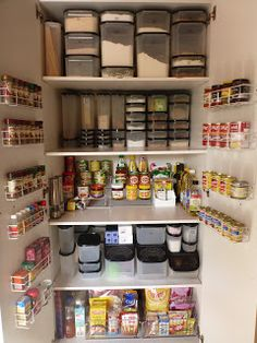 Genius Pantry Organisation Ideas We have found some of the best kitchen pantry organization ideas from around the web to inspire and assist.We have found some of the best kitchen pantry organization ideas from around the web to inspire and assist. Kitchen Cupboard Organization, Kitchen Pantry Design, Small Kitchen Storage, Kitchen Organization Pantry, Home Organisation, Pantry Storage, Kitchen Cupboards, New Kitchen, Organization Ideas