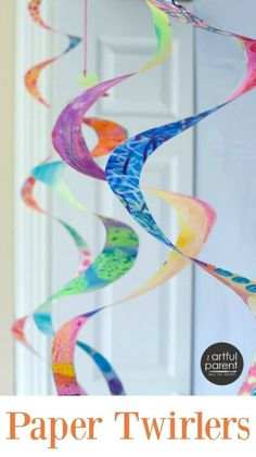 Paper Twirlers :: Making and Decorating Mesmerizing Paper Spirals Fun Arts And Crafts, Paper Crafts For Kids, Crafts For Kids To Make, Art For Kids, Craft Projects For Kids, Summer Activities For Kids, Creative Activities, Mobiles For Kids, Paper Folding Crafts