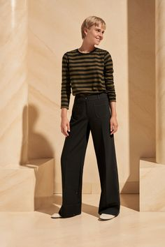 Discover the latest collection of womenswear fashion landed this month at ME+EM. Explore tailored statement pieces to off-duty essentials. Shop the ME+EM range. Wide Leg Trousers, Trousers Women, Contemporary Dresses, Check Coat, Cashmere Jumper, Fashion Story, Top Stitching, Fashion Editor, Black Fabric