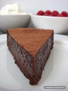 Ultimate One - Bowl Chocolate Dessert… Baking Recipes, Cookie Recipes, Torte Recipe, Kolaci I Torte, Torte Cake, Pound Cake Recipes, Sweet Cakes, Desert Recipes, Chocolate Desserts