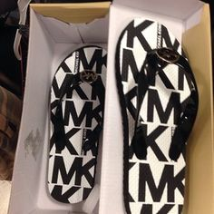 30c65a43457f19 Website For Michael Kors Bags! Super Cheap!  9.99 -  62.99! Michael Kors  Sale
