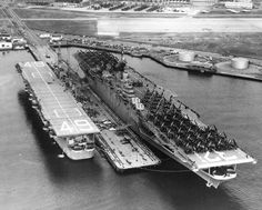 The carriers Leyte (CV and Wright (CVL pictured moored at Naval Air Station (NAS) Quonset Point, Rhode Island, circa American Aircraft Carriers, Navy Carriers, Navy Aircraft Carrier, Leyte, Us Navy Ships, Naval History, Military History, Wisconsin, Costa