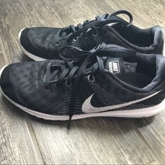 low priced 77a61 79a5a Shop Women s Nike Black White size Shoes at a discounted price at Poshmark.