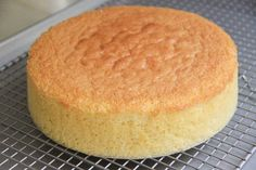 Sponge Cake Recipe – Japanese Cooking 101 – All Recipes Food Cooking Network Cookies Et Biscuits, Cake Cookies, Cupcakes, Japanese Sponge Cake Recipe, Cooking 101, Cooking Recipes, Pasta Recipes, Bolo Grande, Sponge Cake Recipes