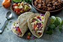 Our Jamaican Jerk Chicken Tacos recipe is carefully crafted to make your next meal time extraordinary. Get the step by step instructions to make this delicious dish. Healthy Pastas, Healthy Appetizers, Healthy Snacks, Healthy Wraps, Healthy Pizza, Healthy Muffins, Diet Snacks, Healthy Soup, Jerk Chicken