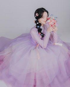 "@oesther__ on Instagram: ""시작해볼까나 💜 #청춘아랑한복 #아랑한복 #로멘틱조이 #롬앤한복에디션 #aranghanbok #hanbok"" Korean Traditional Dress, Traditional Dresses, Anime Kimono, Princess Aesthetic, Cute Korean, Korean Women, Kawaii Fashion, Ulzzang Girl, Asian Fashion"