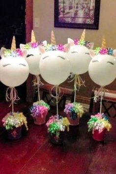 Unicorn Crafts for Kids – Cute & Easy DIY Unicorn Craft Ideas – Clever DIY Ideas Unicorn birthday party ideas and unicorn crafts for kids – unicorn party centerpieces with balloons – would also be cute DIY unicorn birthday goody bags Diy Unicorn Birthday Party, Unicorn Party Bags, Rainbow Unicorn Party, Summer Birthday, Rainbow Birthday, Kids Party Centerpieces, Rainbow Party Decorations, Birthday Party Decorations, Baptism Centerpieces