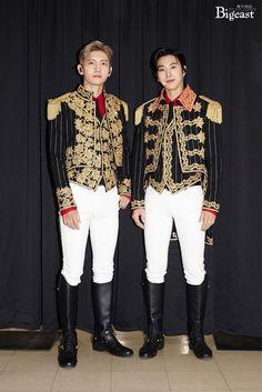 Korean Men, Asian Men, Korean Actors, Tvxq Changmin, Jung Yunho, Fantasy World, Lounge Wear, White Jeans, Kpop