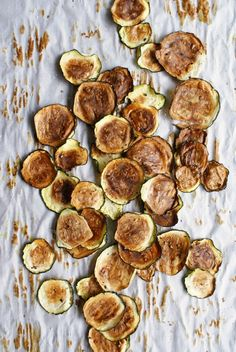 Holy-crispy-salty-addictive-deliciousness, batman. 3-ingredient Zucchini Chips