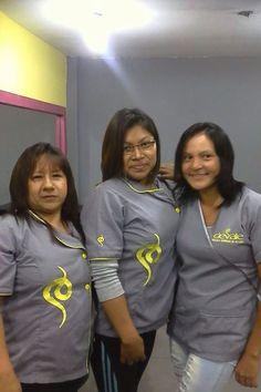 Jessica y sus compañeras de aula en Devale. Gracias por confiar en nosotros!!!