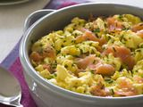 Scrambled Eggs with Smoked Salmon Recipe : Rachael Ray : Food Network -- Replace butter with ghee for whole salmon recipes Breakfast And Brunch, Best Breakfast Recipes, Mexican Breakfast, Breakfast Potatoes, Breakfast Ideas, Atkins Breakfast, Protein Breakfast, Perfect Breakfast, Paleo Breakfast