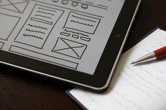 Los objetivos de negocio deben estar por encima de la experiencia de usuario cuando chocan, y pasa con frecuencia.