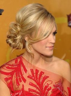 Graceful and Beautiful Low Side Bun Hairstyle Tutorials and Hair Looks Whatever your hair length is, you can always be super graceful with a beautiful side-swept hairstyle bun. If your bun is swept to one side, then your . Side Bun Hairstyles, Pretty Hairstyles, Wedding Hairstyles, Wedding Updo, Prom Updo, Bridesmaid Hairstyles, Dress Hairstyles, Formal Hairstyles, Updo Styles
