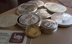 Buku Catatan Dan Petunjuk Dinar Dan Dirham 2015. Dinar dan Dirham Nabawi is Open Mistqal Exchange (OME) with other gold and silver coins from other country