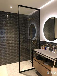 Metalen douchewand in Amsterdam Modern Bathroom Decor, Bathroom Interior, Underground Homes, Bathroom Toilets, Bedroom Vintage, Powder Room, Decoration, Home Goods, Sweet Home