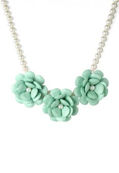 Mint Green Flower Pearl Necklace.