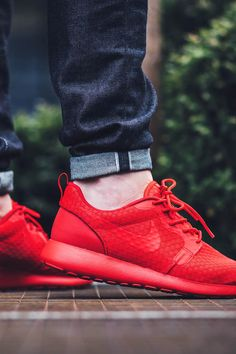 new product 56fbb 6c50d NIKE Roshe One Hyperfuse All Red
