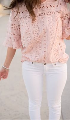 Style for over 35 ~ Pink Lace Blouse / White Skinny Jeans Mode Outfits, Casual Outfits, Fashion Outfits, Style Fashion, Dress Fashion, Fresh Outfits, Pink Outfits, Casual Clothes, Petite Fashion