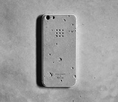 Korean shop Posh Projects and Realize design studio have collaborated to create the new Luna iPhone Skin, a crater infested concrete shell for your iPhone 5. Industrial designers and founders of Realize Studio Jihye Kim, Chang Ho Lee, Jae Yong Lee, and Hyerim Shin led the design team in realizing the moon-inspired iPhone skin.