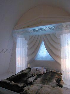 ishotell-rum-grekiskt.jpg (525×700)Den grekiska lyx-sviten, våldsamt tjusigt. för 6000 kronor.