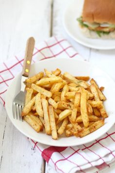 Knoflook-chili frietjes - Lekker en Simpel
