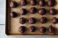 No-Bake, 5-Ingredient Chocolate Bon Bons
