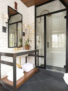 The most interesting about having a modern bathroom is on its simplicity without losing its function. Here, we want to share with you 10 modern bathroom design ideas which will inspire to remodel your old-fashioned bathroom. Bathroom Interior Design, Decor Interior Design, Interior Decorating, Decorating Ideas, Decorating Websites, Decoration Design, Interior Door, Wet Rooms, Beautiful Bathrooms