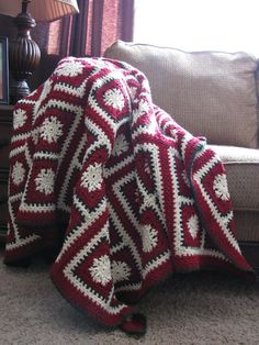 Christmas Snowflake Afghan by PenguinettaAfghans on Etsy